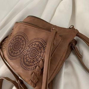 Cute purse with many compartments